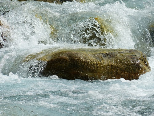 river-177314_1920