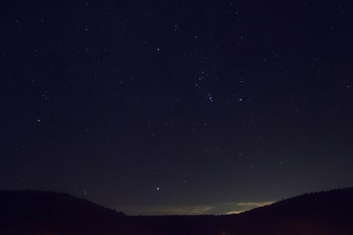 Blick zu den Sternen - sehnsuchtsvoll bei Trauer