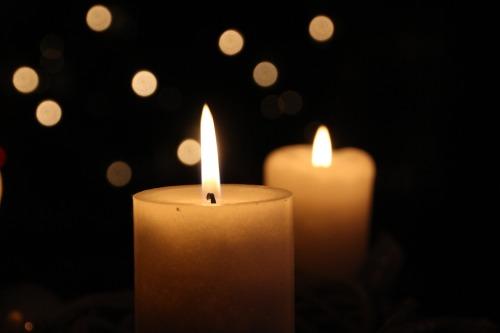 Ein Licht für all die Verstorbenen, um die wir trauern