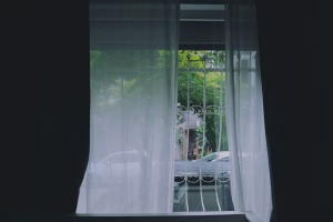 window-691542_1920